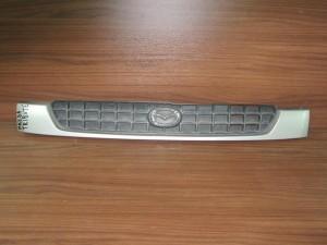 Mazda Tribute 2001-2005 μάσκα εμπρός ασημί