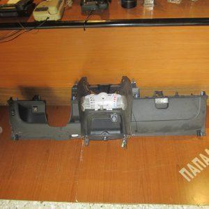 Toyota Aygo 2006-2012 ταμπλώ (κάτω κομμάτι) με : χειριστήριο καλοριφέρ κ ντουλαπάκι