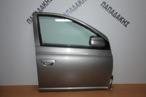Toyota Yaris 2004-2006 πόρτα εμπρός δεξιά ασημί σκούρο
