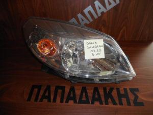 Dacia Sandero 2007-2012 εμπρός δεξιό φανάρι